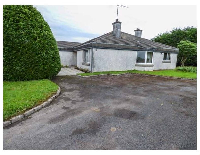 Ardvarna a holiday cottage rental for 6 in Ballaghaderreen,