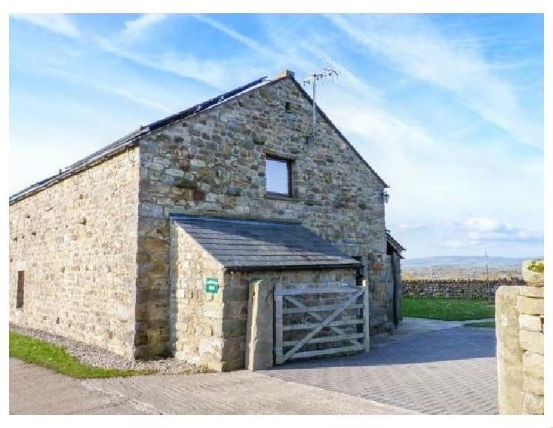 Ingleborough Barn a holiday cottage rental for 14 in High Bentham,