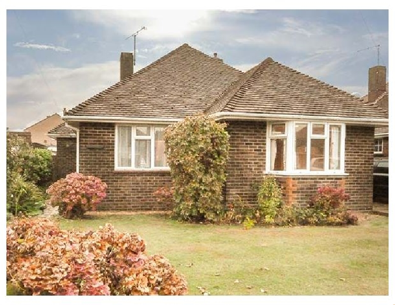 Tigh-An-Traigh a holiday cottage rental for 4 in Rustington,