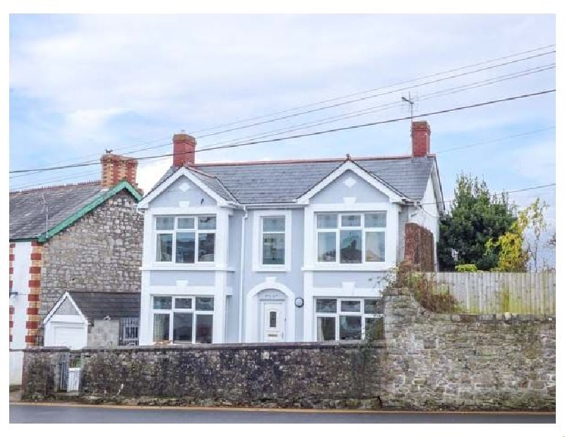Pen Hill a holiday cottage rental for 6 in Llantwit Major,