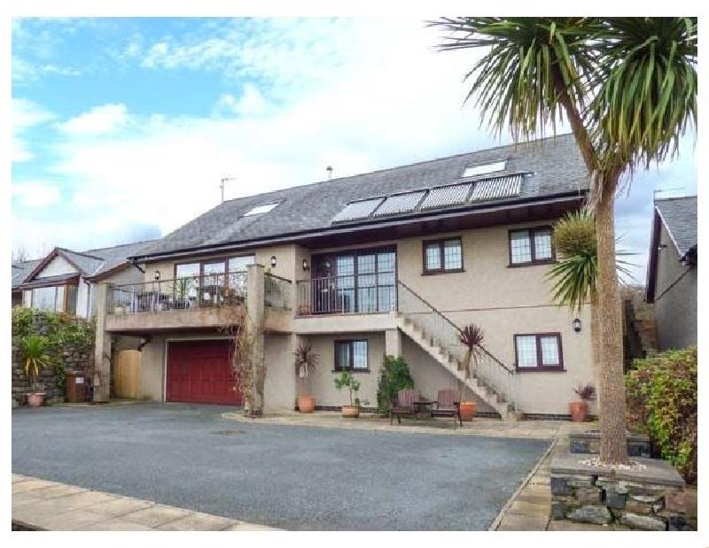 Cae Cerrig a holiday cottage rental for 12 in Dyffryn Ardudwy,