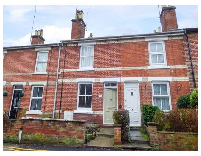 Dutch Cottage a holiday cottage rental for 4 in Colchester,