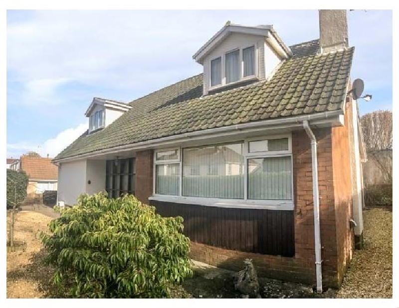 Seagulls a holiday cottage rental for 10 in Porthcawl,