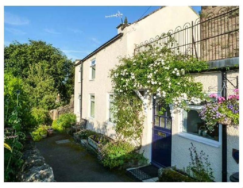 Rock Cottage a holiday cottage rental for 3 in Winster,