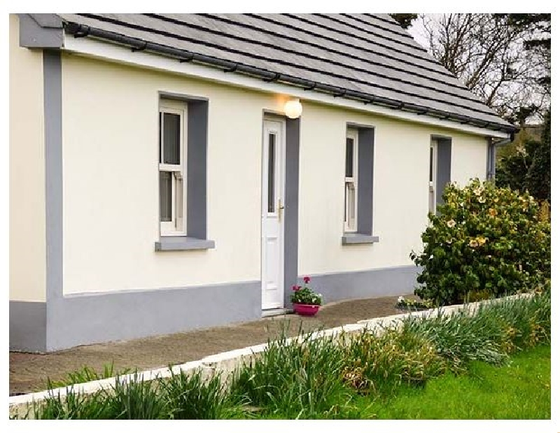 Jack's Cottage a holiday cottage rental for 6 in Killorglin,