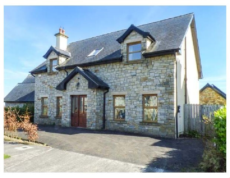 Sarto a holiday cottage rental for 8 in Lough Gowna,