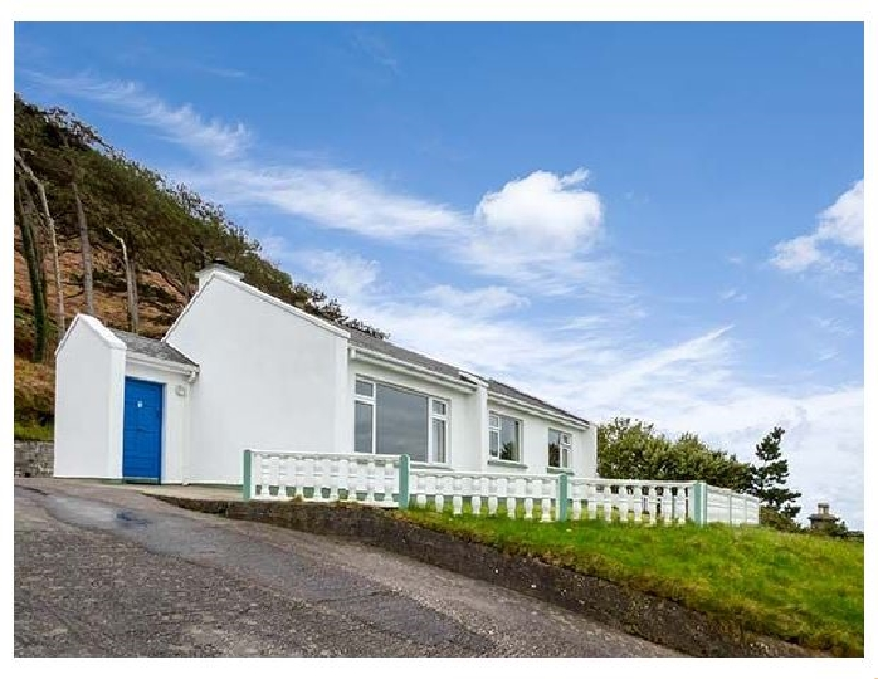 Rossbeigh Beach Cottage No 6 a holiday cottage rental for 7 in Glenbeigh,