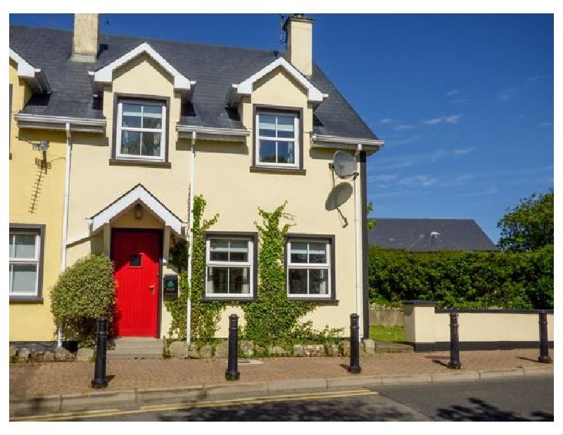No 17 Mountain Dale a holiday cottage rental for 7 in Bundoran,