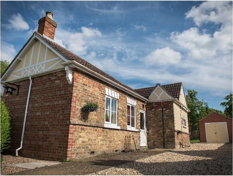 Anvil Lodge a holiday cottage rental for 4 in Goulceby,