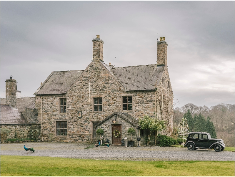Talhenbont Hall a holiday cottage rental for 10 in Criccieth,