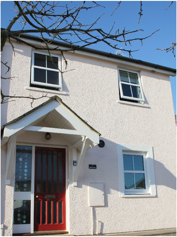 Puffin Cottage a holiday cottage rental for 6 in Saundersfoot,