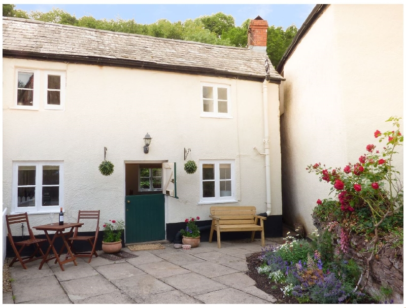 2 Belle Vue a holiday cottage rental for 2 in Roadwater,