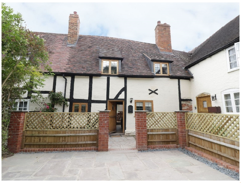 3 Hathaway Hamlet a holiday cottage rental for 4 in Stratford-Upon-Avon,