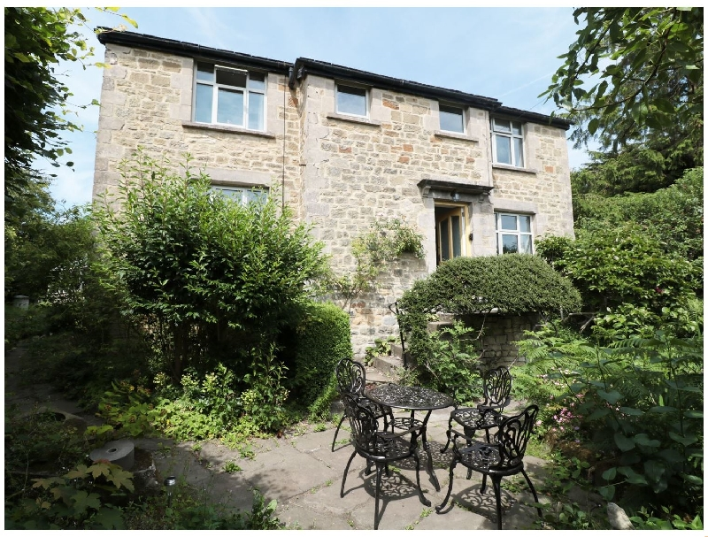 Hawkfield a holiday cottage rental for 8 in Baslow,