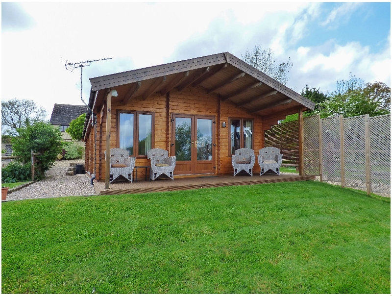 Pennylands Hill View Lodge a holiday cottage rental for 4 in Broadway,