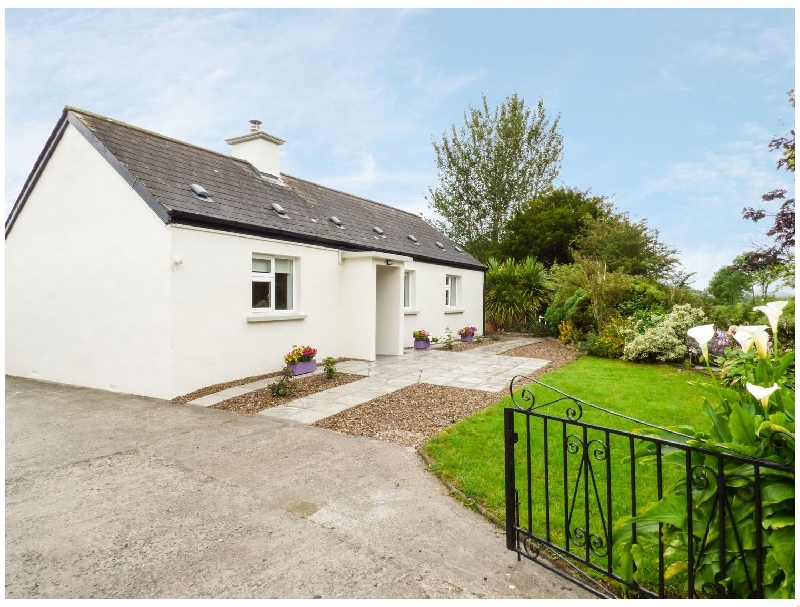 Kennedys Cottage a holiday cottage rental for 7 in Newcastle West,