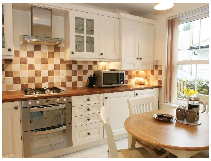 Saffron Cottage a holiday cottage rental for 4 in Hayle,