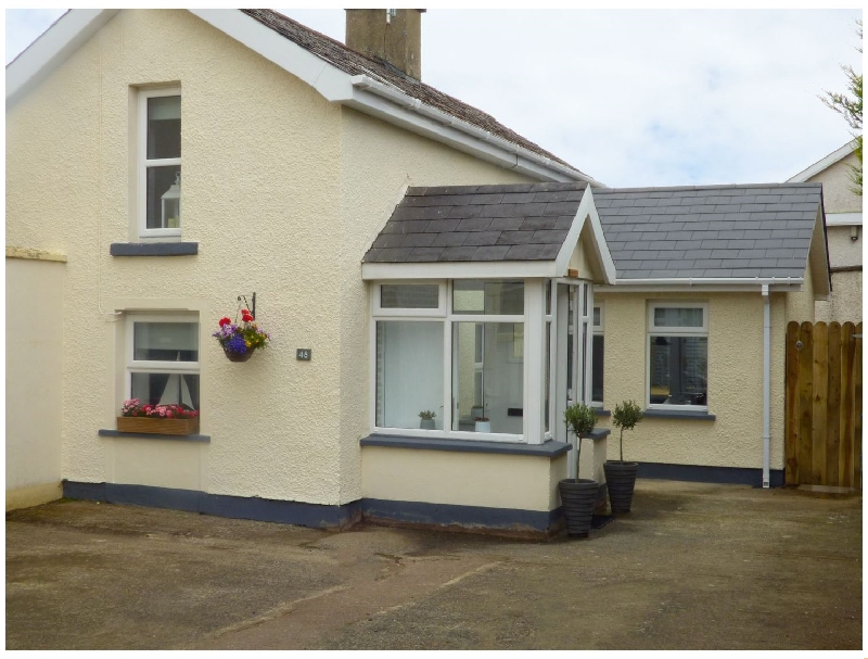 48 Sea Road a holiday cottage rental for 2 in Castlerock,