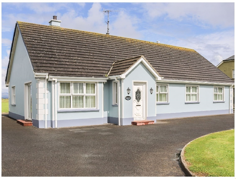 Seaview a holiday cottage rental for 6 in Bundoran,