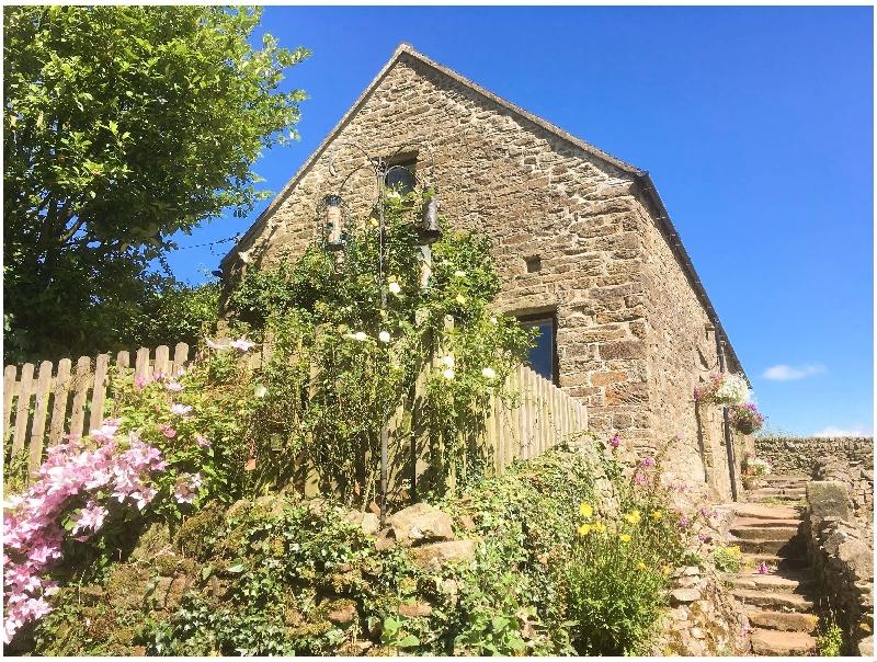 Glen's Cottage a holiday cottage rental for 4 in Longnor,