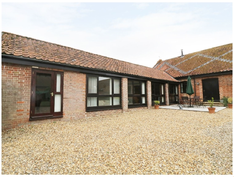 Jacko's Barn a holiday cottage rental for 4 in Homersfield,