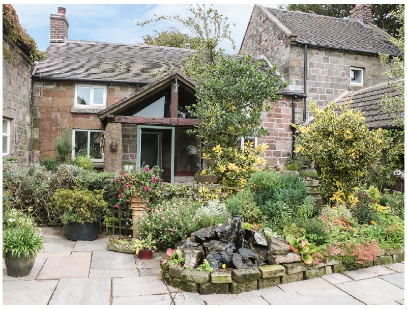 Butterlands Farmhouse a holiday cottage rental for 7 in Biddulph,