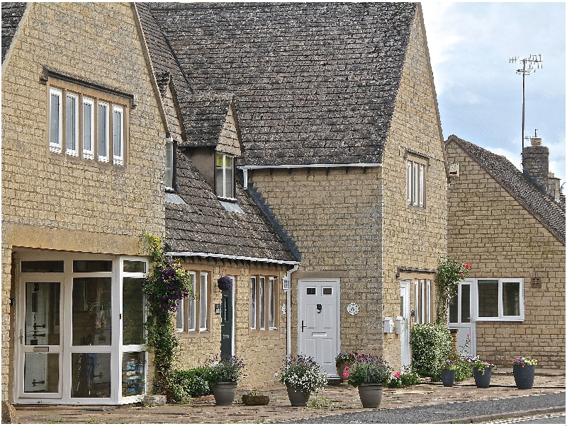 Kate's Cottage a holiday cottage rental for 3 in Bourton-On-The-Water,
