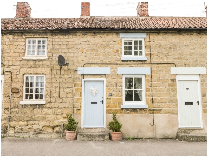Cosy Cottage a holiday cottage rental for 3 in Pickering,