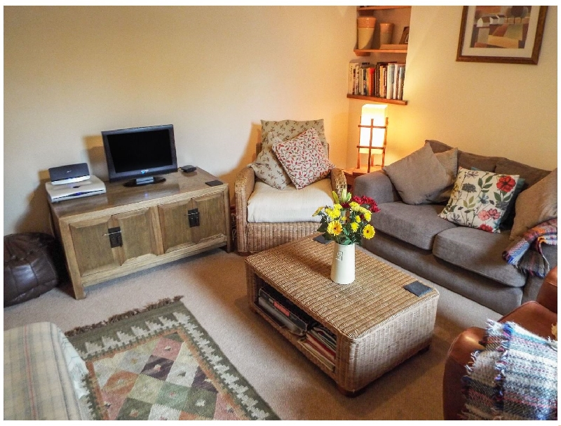 Lothlorien Cottage a holiday cottage rental for 5 in Cwmgors,