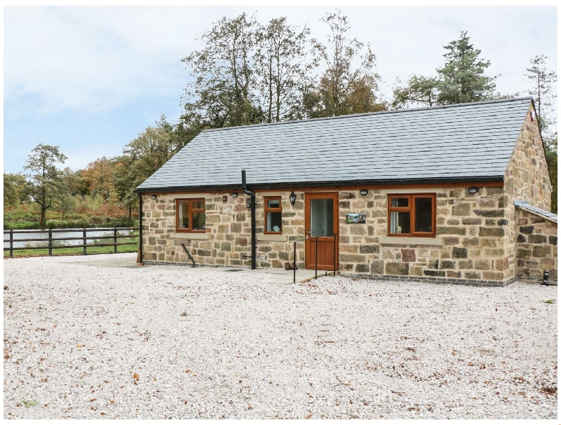 Bear Lake Lodge a holiday cottage rental for 4 in Belper,