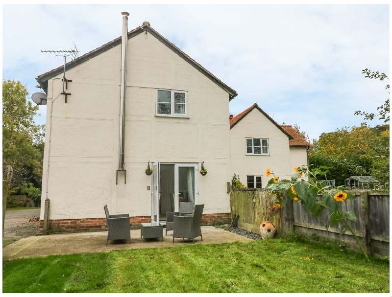 Garden Cottage - Pound Farm a holiday cottage rental for 6 in Great Yeldham,