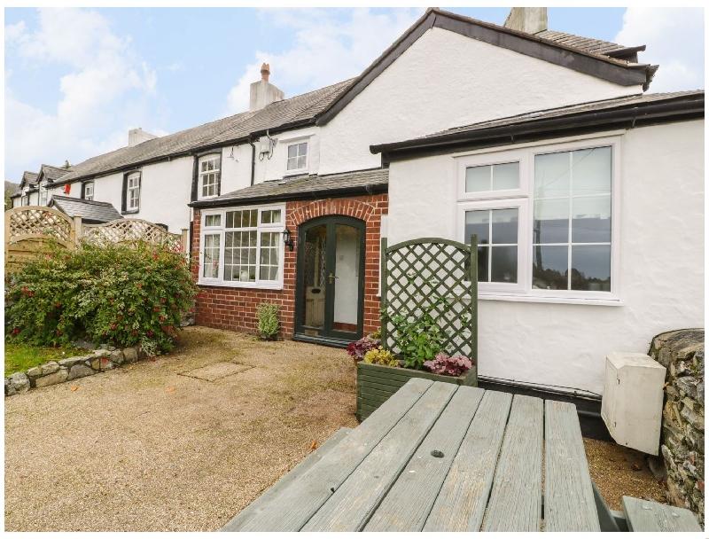 Bwthyn Gwyn a holiday cottage rental for 4 in Meliden,