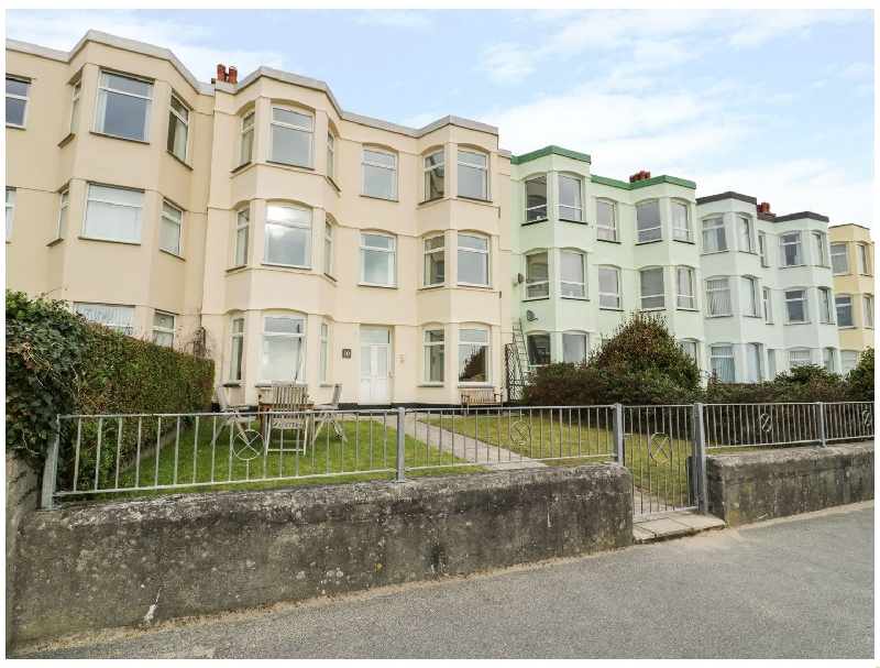 Apartment 1- 10 West End Parade a holiday cottage rental for 8 in Pwllheli,