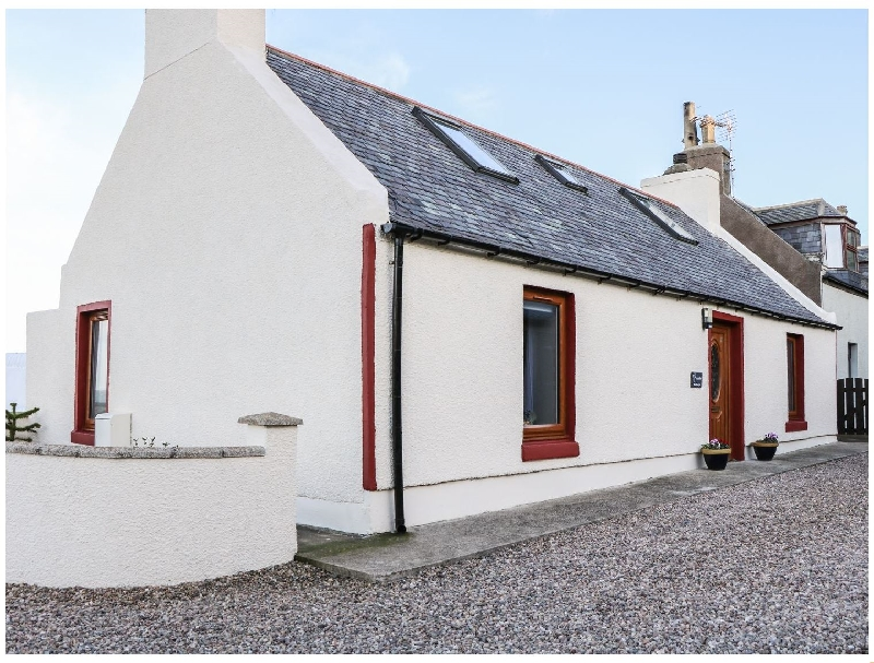 Jade Cottage a holiday cottage rental for 2 in Macduff,