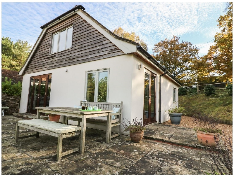 Long Meadow a holiday cottage rental for 4 in Midhurst,