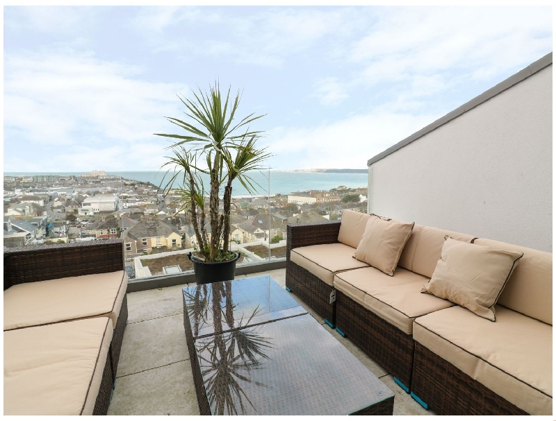 Nalu Ohana a holiday cottage rental for 8 in Newquay,