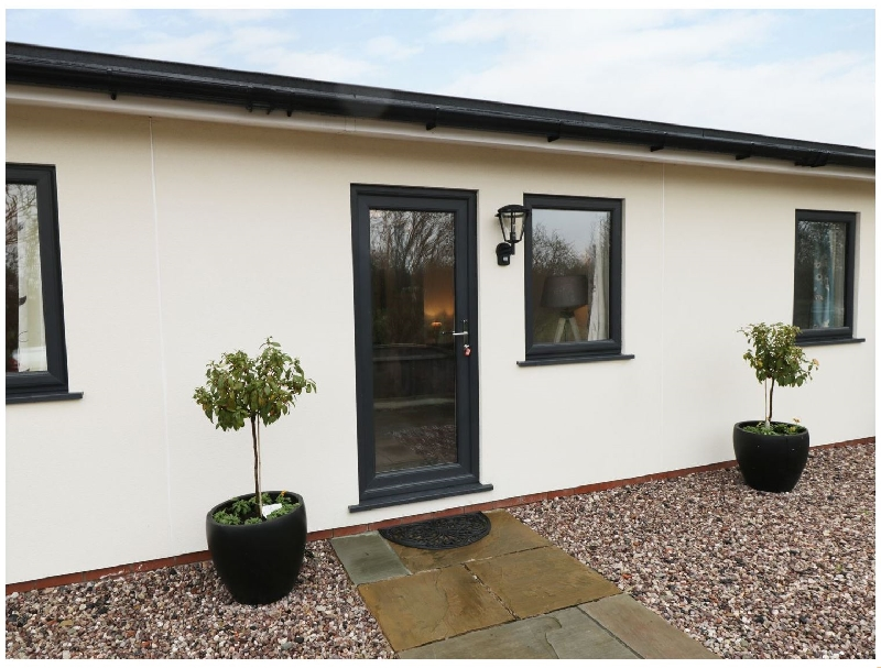 The Hen House a holiday cottage rental for 4 in Thornton,