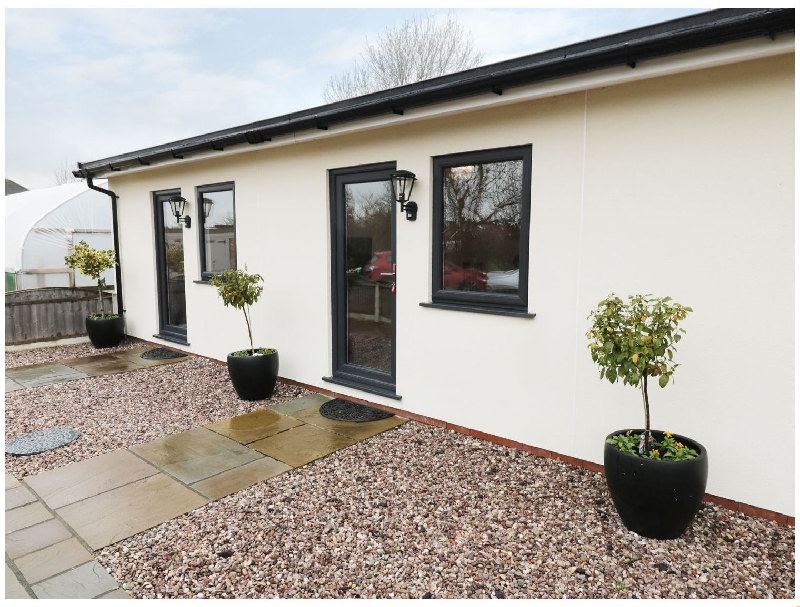 Foxes Den a holiday cottage rental for 4 in Thornton,