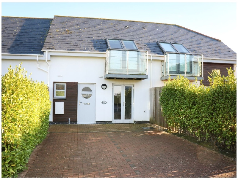 3 Bay Retreat Villas a holiday cottage rental for 6 in St Merryn,