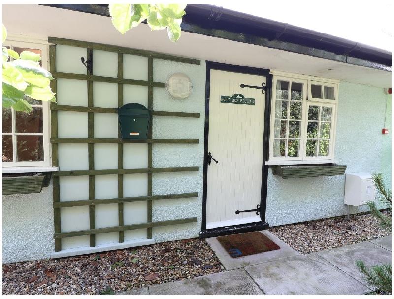 Honeysuckle Cottage a holiday cottage rental for 3 in Crossgates,