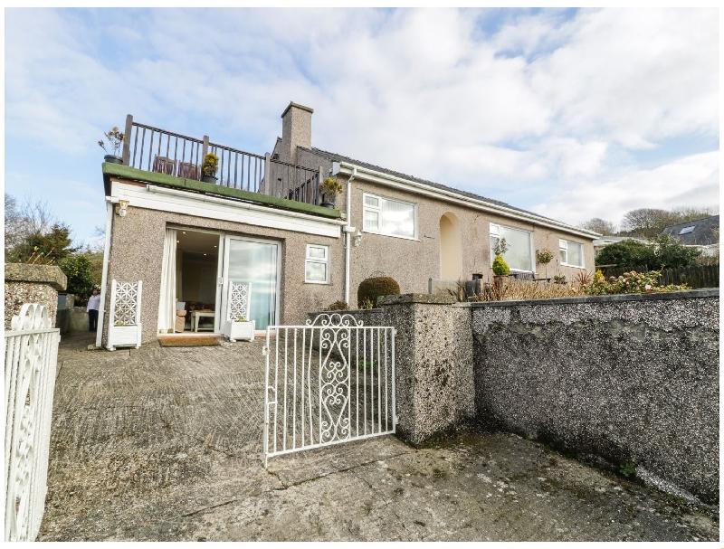 Maesawel Studio a holiday cottage rental for 2 in Llanfair,