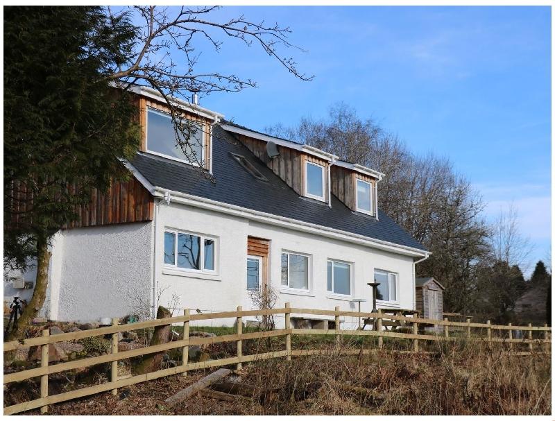 Oak Cottage a holiday cottage rental for 10 in Fort William,