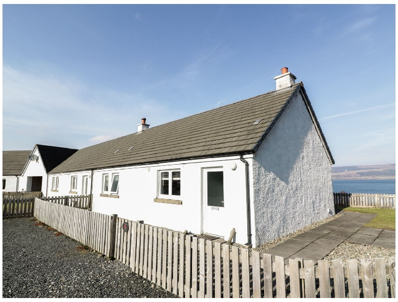 Poppies Cottage a holiday cottage rental for 2 in Salen,
