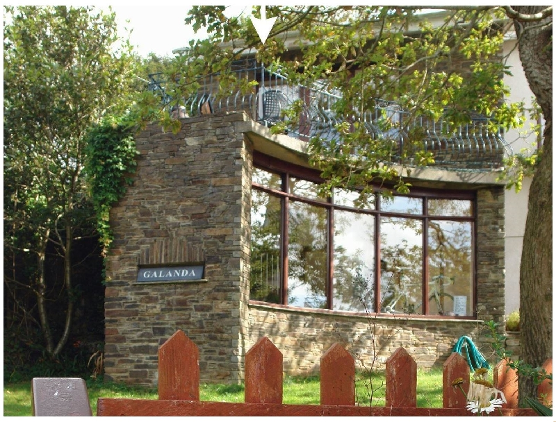 Galanda Treetops a holiday cottage rental for 8 in Newton Ferrers,