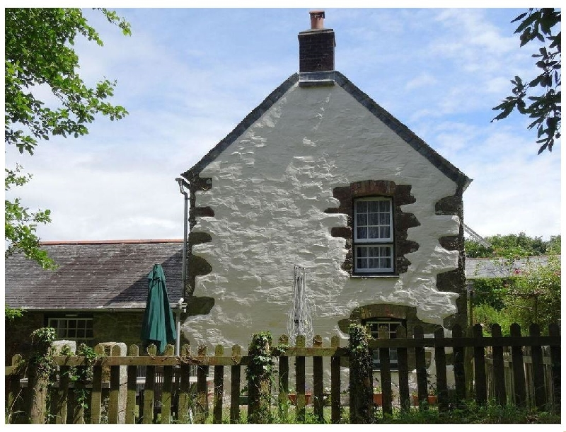 Badger Cottage a holiday cottage rental for 4 in Mawgan-In-Meneage,