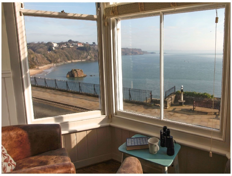 2 Beachtop Court Apartments a holiday cottage rental for 4 in Tenby,