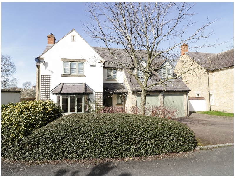 The Willows a holiday cottage rental for 8 in Tredington,