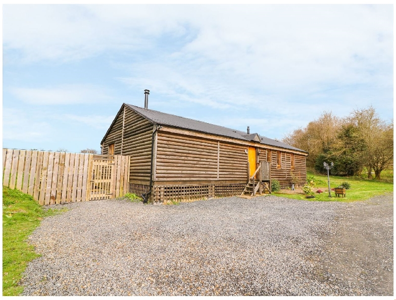 Caban Gwdihw ( Owl Cabin) a holiday cottage rental for 6 in Llanbrynmair,