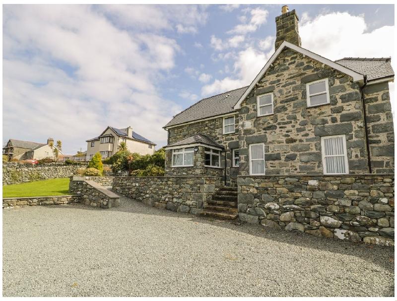 Ty Cerrig a holiday cottage rental for 6 in Dyffryn Ardudwy,