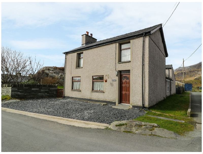 Bryn Alun a holiday cottage rental for 4 in Tanygrisiau,